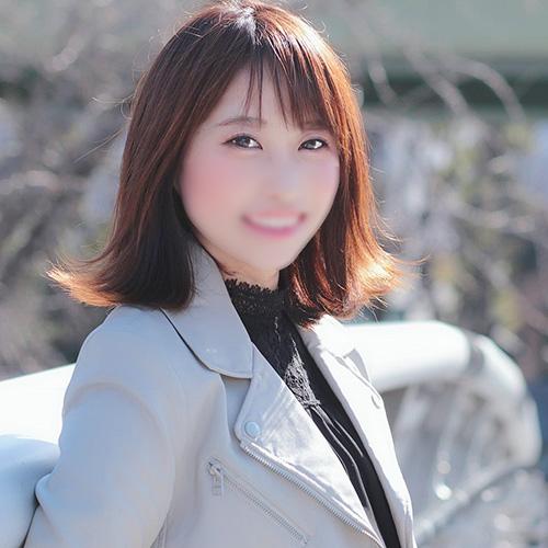 超天然!いつも笑顔な優しいお姉さん系レンタル彼女</br>愛沢かすみ